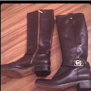 Michael kors boots 7